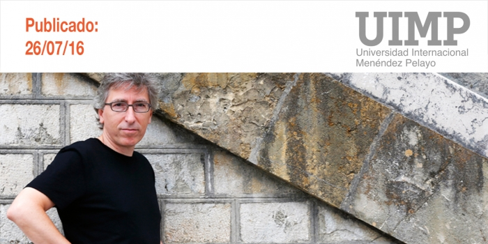 """La melancolía de David Trueba y su """"obsesión"""" por narrar el tiempo en el que vive, en los Martes Literarios de la UIMP"""